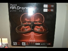 AR DRONE PARROT 2.0 POWER EDITION HD CAMERA 3 X SET HELICE 2 X BATTERIE NEUF